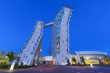 DK01075 Denmark, Zealand, Copenhagen, Bella Sky Hotel Towers, dusk