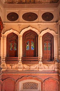 AS28YNI0032 The beautiful woodwork in Chiniot Palace in Pakistan.