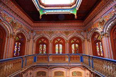 AS28YNI0034 The beautiful woodwork in Chiniot Palace in Pakistan.