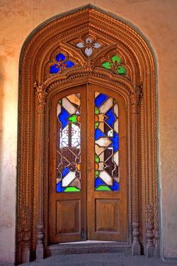 AS28YNI0035 The beautiful woodwork in Chiniot Palace in Pakistan.