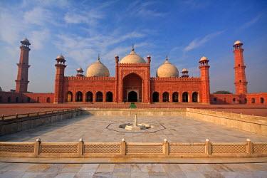 AS28YNI0066 View of Badshahi Masjid, Lahore, Pakistan.