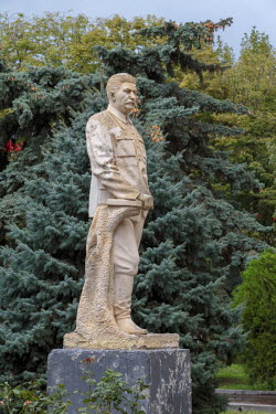 AS08ALA0243 Georgia, Gori. Statue of Stalin at the Joseph Stalin Museum.