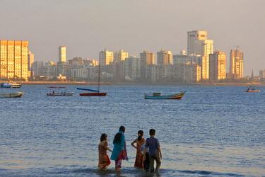 AS10PAD0030 Chowpatty Beach, Mumbai, (Bombay), India