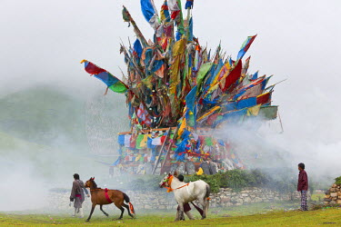 AS07PAD0018 Wind Horse of Buddhist prayer flags at horse festival near Daofu, Tibetan area, Sichuan, China