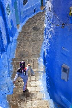 AF29PAD0003 Narrow lane, Chefchaouen, Morocco