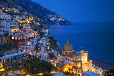 EU16BJN0454 Twilight over Positano along the Amalfi Coast, Campania, Italy