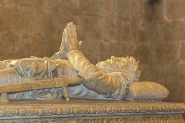EU23JEN0059 Luis Vaz de Camoes tomb in Jeronimos Monastery, Lisbon, Portugal
