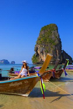 TH03537 Longtail boats on Phra Nang beach, Railay Peninsula, Krabi Province, Thailand