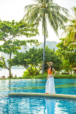TH03600 Swimming pool, Rayavadee resort, Railay Peninsula, Krabi Province, Thailand