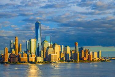 US61337 USA, New York, Manhattan, Lower Manhattan and World Trade Center, Freedom Tower across Hudson River