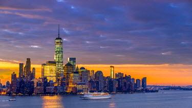 US61346 USA, New York, Manhattan, Lower Manhattan and World Trade Center, Freedom Tower across Hudson River