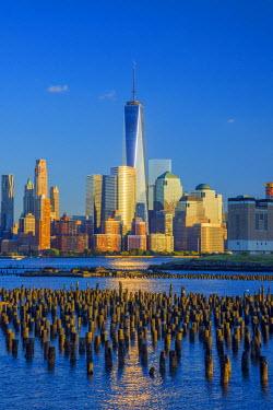 US61347 USA, New York, Manhattan, Lower Manhattan and World Trade Center, Freedom Tower across Hudson River