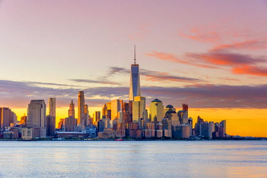 US61365 USA, New York, Manhattan, Lower Manhattan and World Trade Center, Freedom Tower across Hudson River