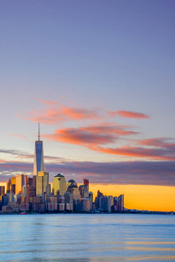 US61367 USA, New York, Manhattan, Lower Manhattan and World Trade Center, Freedom Tower across Hudson River
