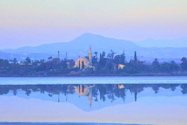 CY01127 Hala Sultan Tekke Mosque, Larnaka Salt Lake, Larnaka, Cyprus, Eastern Mediterranean Sea