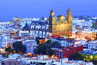 Elevated view of Santa Ana Cathedral at Dusk, Vegueta Old Town, Las Palmas de Gran Canaria, Gran Canaria, Canary Islands, Spain, Atlantic Ocean, Europe