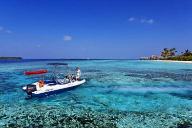 HMS0893829 Maldives, Atoll Baa, Anantara Kihavah Villas hotel, boat for scubadiving