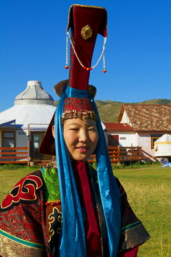 HMS0530593 Mongolia, Ovorkhangai Province, Orkhon Valley listed as World Heritage by UNESCO, Karakorum, ancient capital of Mongolian Empire created by Gengis Khan, young woman and youn man in Mongolian tradition...