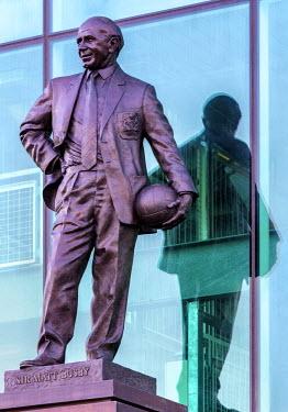 ENG12752AW Europe, United Kingdom, England, Lancashire, Manchester, Manchester United Football Club, Sir Matt Busby Statue