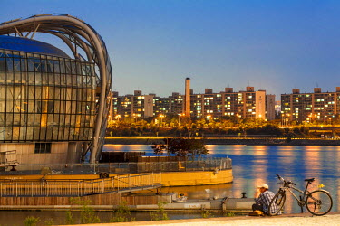 HMS2194464 South Korea, Seoul, Flotting Islands (Some rife) of the architectural firm Haeahn Architecture of the Han River, raging island dating from 2011
