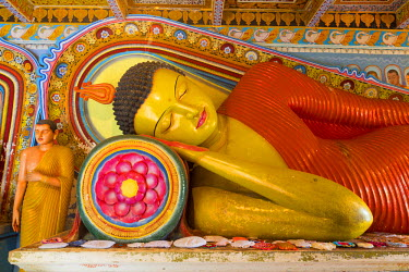 Sri Lanka, North Central province, Anuradhapura district, Anuradhapura, sacred city listed as World Heritage by UNESCO, Isurumuniya Vihara, reclining Buddha statue
