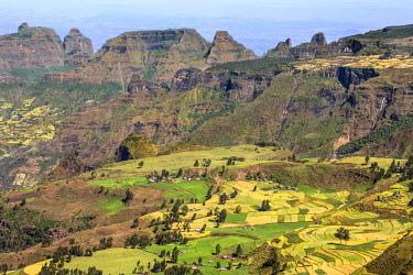 ETH2962 Ethiopia, Amhara Region, Simien Mountains, Simien Mountain National Park, Debark. Two waterfalls tumble down an escarpment in this spectacular view of the Simien Mountains which rise to 4550m above se...