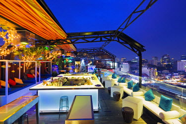 VIT0973 South East Asia, Vietnam, Ho Chi Mihn City (Saigon) rooftop bar at Silverland Central Hotel & Spa