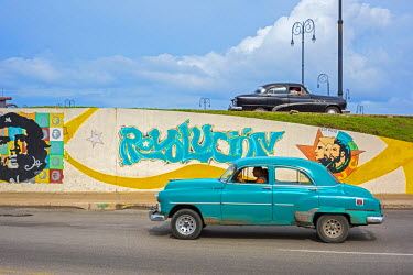 CB01773 Cuba, Havana, Revolucion Mural