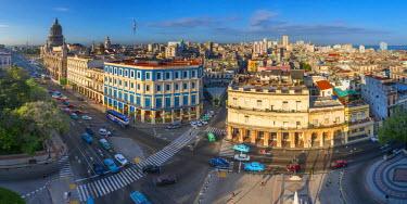 CB01814 Cuba, Havana, Capitolio and Hotel Inglaterra