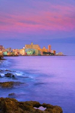 CB01863 Cuba, Havana, The Malecon