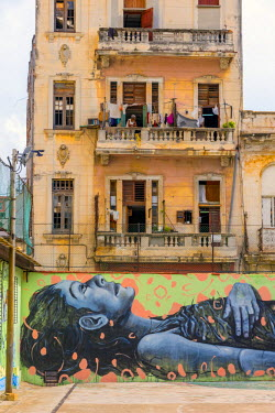 CB01873 Cuba, La Habana Vieja (Old Havana), Grafitti in playground