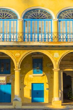 CB01910 Cuba, Havana, La Habana Vieja, Plaza Vieja