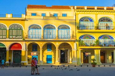 CB01911 Cuba, Havana, La Habana Vieja, Plaza Vieja