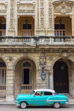 CB01921 Cuba, Havana, La Habana Vieja, Prado or Paseo de Marti