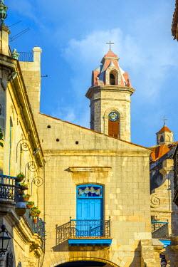 CB092RF Cuba, Havana, La Habana Vieja, Plaza de la Catedral, Cathedral of the Virgin Mary of the Immaculate Conception or Catedral de la Virgen Maria de la Concepcion Inmaculada