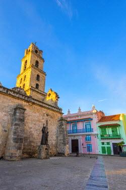 CB093RF Cuba, Havana, La Habana Vieja, Plaza de San Francisco de Asis, Convent of Saint Francis of Asisi (Convento de San Francisco de Asis)