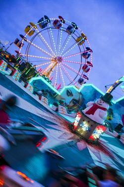 US03405 USA, Massachusetts, Cape Ann, Gloucester, annual Saint Peter's Fiesta, carnival rides