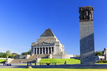 AUS2285AW Shrine of Remembrance, Melbourne, Victoria, Australia