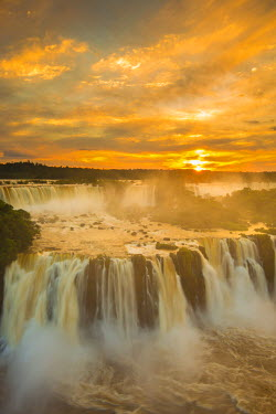BZ02258 Iguacu Falls, Parana State, Brazil