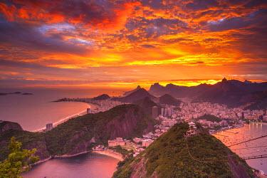 BZ01299 Copacabana beach and Rio de Janeiro from the Sugar Loaf, Brazil