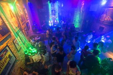BZ01328 Samba club in the Lapa district, Rio de Janeiro, Brazil