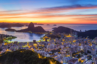 BZ01458 Pao Acucar or Sugar loaf mountain and the bay of Botafogo, Rio de Janeiro, Brazil, South America