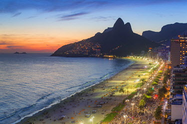 BZ01467 Sunset over Ipanema Beach and Dois Irmaos (Two Brothers) mountain, Rio de Janeiro, Brazil, South America