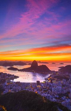 BZ01275 View over Botafogo Bay and the Sugar Loaf, Rio de Janeiro, Brazil