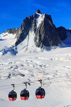 FRA8742 Europe, France, Haute Savoie, Rhone Alps, Chamonix, Hellbroner cable car at Aiguille du Midi
