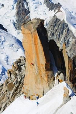 FRA8747 Europe, France, Haute Savoie, Rhone Alps, Chamonix, Aiguille du Midi, rock climbing on Cosmique Arete