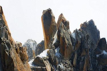 FRA8748 Europe, France, Haute Savoie, Rhone Alps, Chamonix, Aiguille du Midi, rock climbing on Cosmique Arete