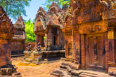 CMB1451AW Prasat Banteay Srei temple ruins, UNESCO World Heritage Site, Siem Reap Province, Cambodia
