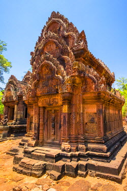 CMB1452AW Prasat Banteay Srei temple ruins, UNESCO World Heritage Site, Siem Reap Province, Cambodia