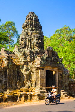 CMB1461AW North gate of Banteay Kdei temple, Angkor, UNESCO World Heritage Site, Siem Reap Province, Cambodia
